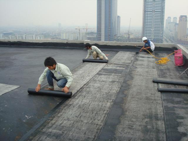 Chống thấm trần nhà Huy Hoàng
